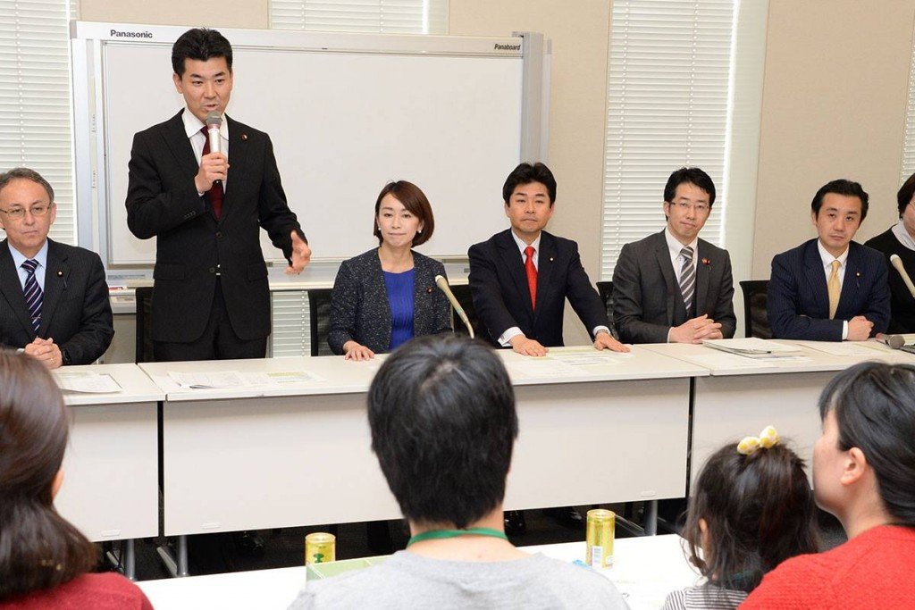 保育士給与5万円引き上げ法案